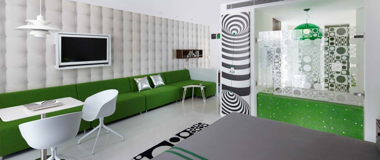 Design Location Luna2 private hotel Seminyak Luxury Suit (3).jpg