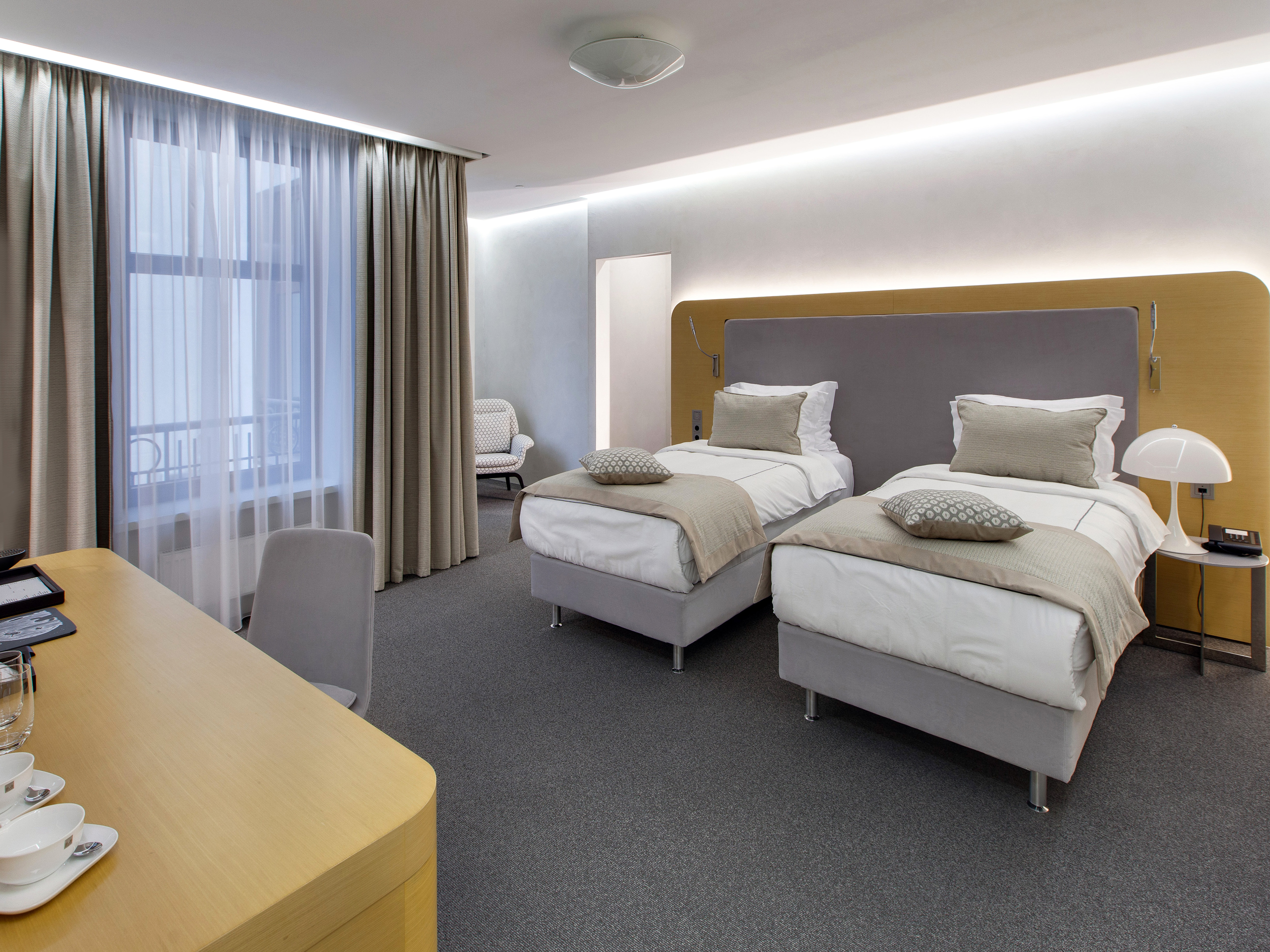 standart-hotel-moscow-deluxe-twin-room-v2-R-r.jpg